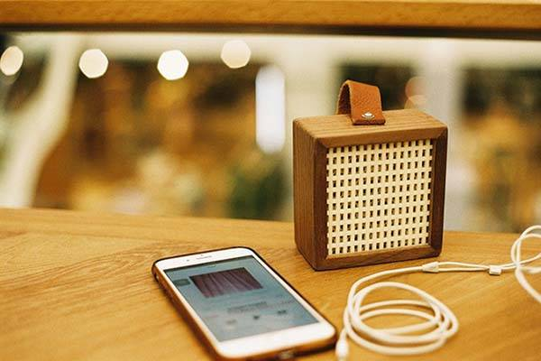 Vanilla Handcrafted Mini Bluetooth Speaker