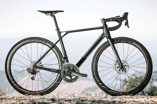 SpeedX Unicorn Smart Road Bike