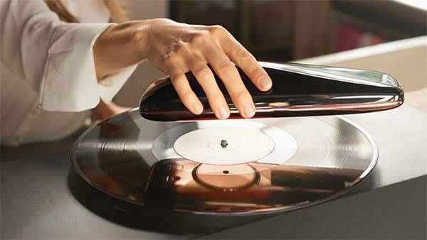 Love App Enabled Portable Turntable With Wifi And Bluetooth Gadgetsin
