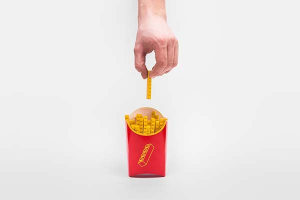 Minimal LEGO Creations with Daily Objects