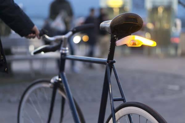 Blinkers LED Bike Light with Turning Indicators