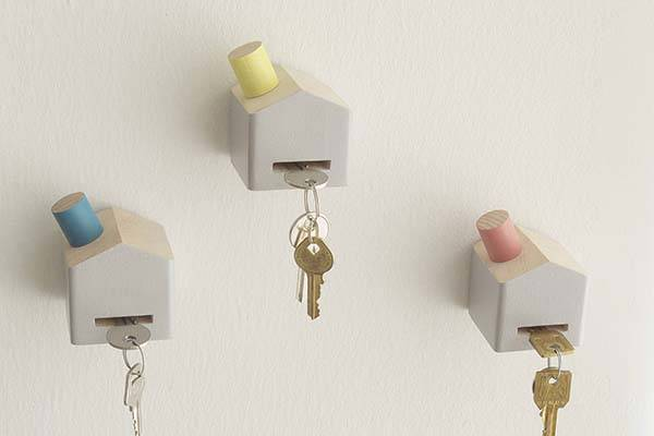 Cute Handmade Key Holder Look Like a House with Chimney