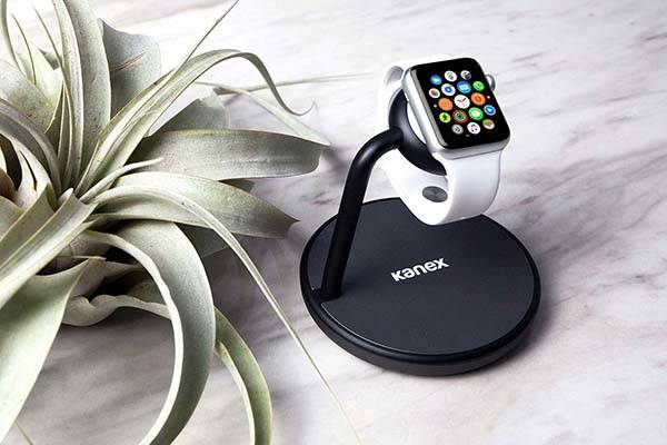 Kanex GoPower Charging Station for Apple Watch and iPhone