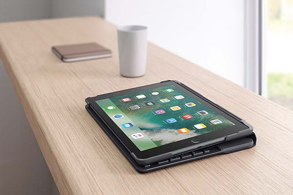 Logitech Slim Folio New iPad Keyboard Case