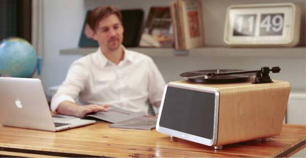 Seed Turntable With Wireless Speaker