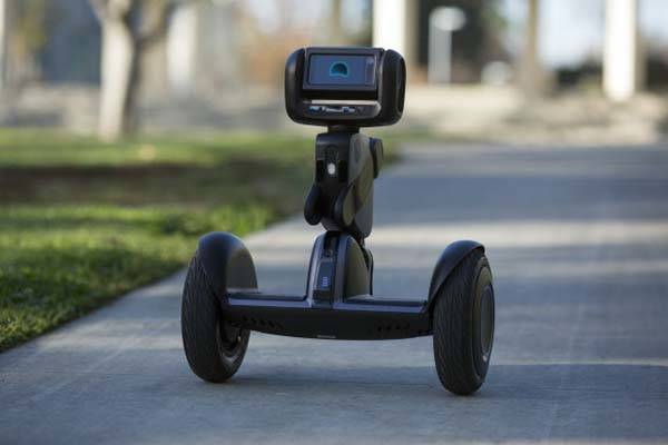 Segway Loomo AI Powered Self Balancing Transporter Works as Personal Robot