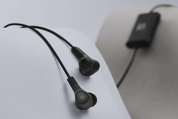 Beoplay E4 Earbuds with Hybrid Active Noise Cancellation
